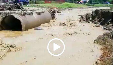Video – Pod distrus de viitură la Berevoeşti