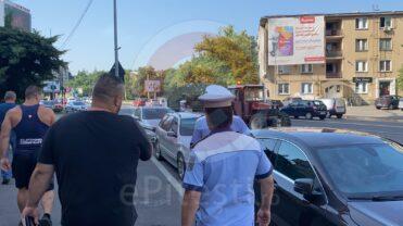 Video: Agent local verificat de poliţişti, după ce a fost reclamat că miroase a băutură