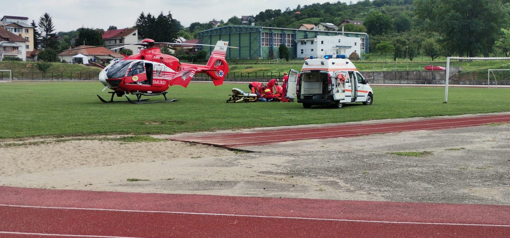 O persoană, preluată de elicopterul SMURD, la Stadion