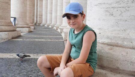 Un băiat din Topoloveni are nevoie de sprijinul nostru