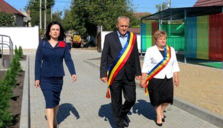Simona Bucura-Oprescu, la inaugurarea grădiniței TIP PITIC Mioveni din Măgdăcești, Republica Moldova
