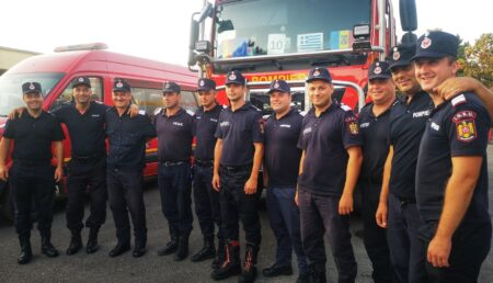 11 pompieri argeşeni, salvatori în Grecia, avansaţi în grad şi premiaţi