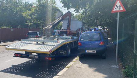 Video – Acum: Se ridică mașinile parcate aiurea în Centrul Piteștiului