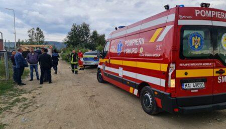 Video – Acum, în Ștefănești: O persoană a murit după ce a fost prinsă sub o macara