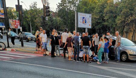 Accident pe Bulevardul Republicii. Adolescent lovit de un autoturism pe trecerea de pietoni