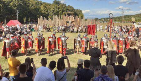Imagini spectaculoase. Lupte cu gladiatori la Mioveni