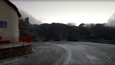 Video – Iarna se instalează la munte. Imagini de la Cota 2000