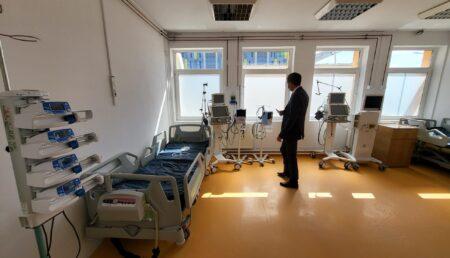"""Video-Exclusiv: Spitalul Covid Mioveni, pregătit de război cu """"armament"""" de 5 stele"""