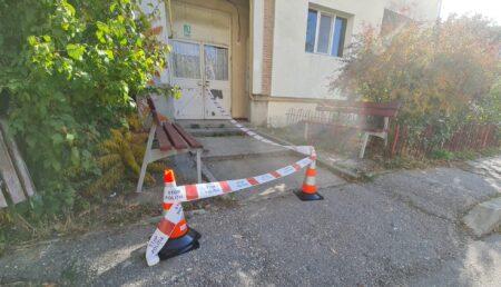 Video: Fetița care a căzut de la etaj este în stare gravă