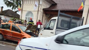 Video: Accident grav în Argeş. O maşină a ricoşat într-un pieton, provocându-i o amputaţie