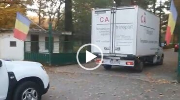 Video: Colac de salvare aruncat de europeni. Au sosit medicamente pentru pacienţii gravi