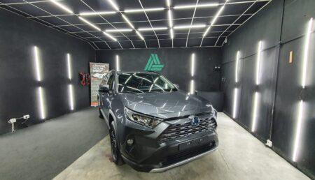 Video: Toyota RAV4 la Auro Detailing, în Piteşti